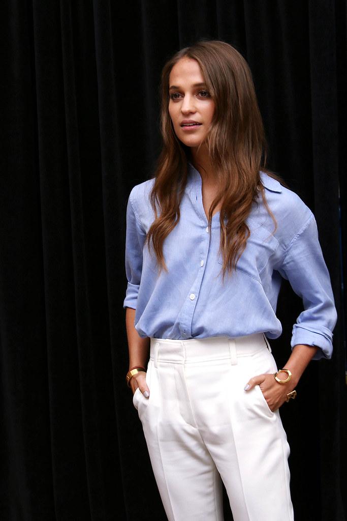 Алисия Викандер — Пресс-конференция «Девушка из Дании» на «TIFF» 2015 – 23