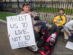 Dual Yes and No protest against Assisted Dying Bill - 16.01.2015 -9110087.jpg