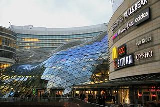 Złote Tarasy Shopping Center.