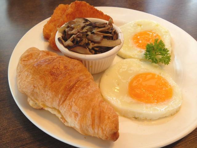 pretz-n-beanz-continental-breakfast-set