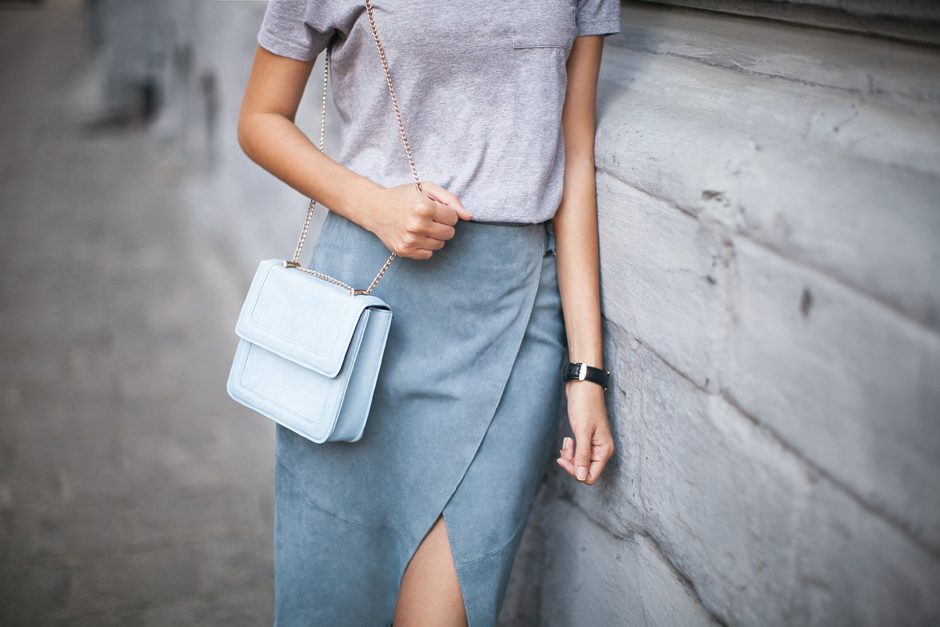 pastel-blue-bag-street-style-outfit