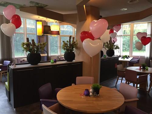 Tafeldecoratie 3ballonnen Hartballonnen Verloving Stichting Humanitas De Reigers Rotterdam