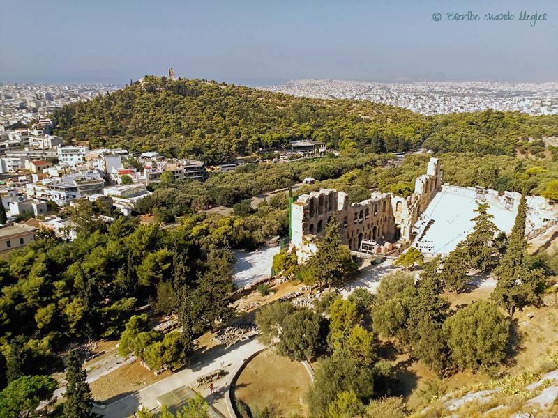 Vista panorámica del Odeón de Herodes Ático