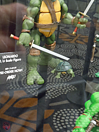 MondoCon 2015 :: Toy Display; TMNT 1/6 figures - Pre-mutant LEONARDO
