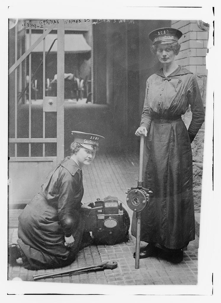 German women do men's work (LOC)
