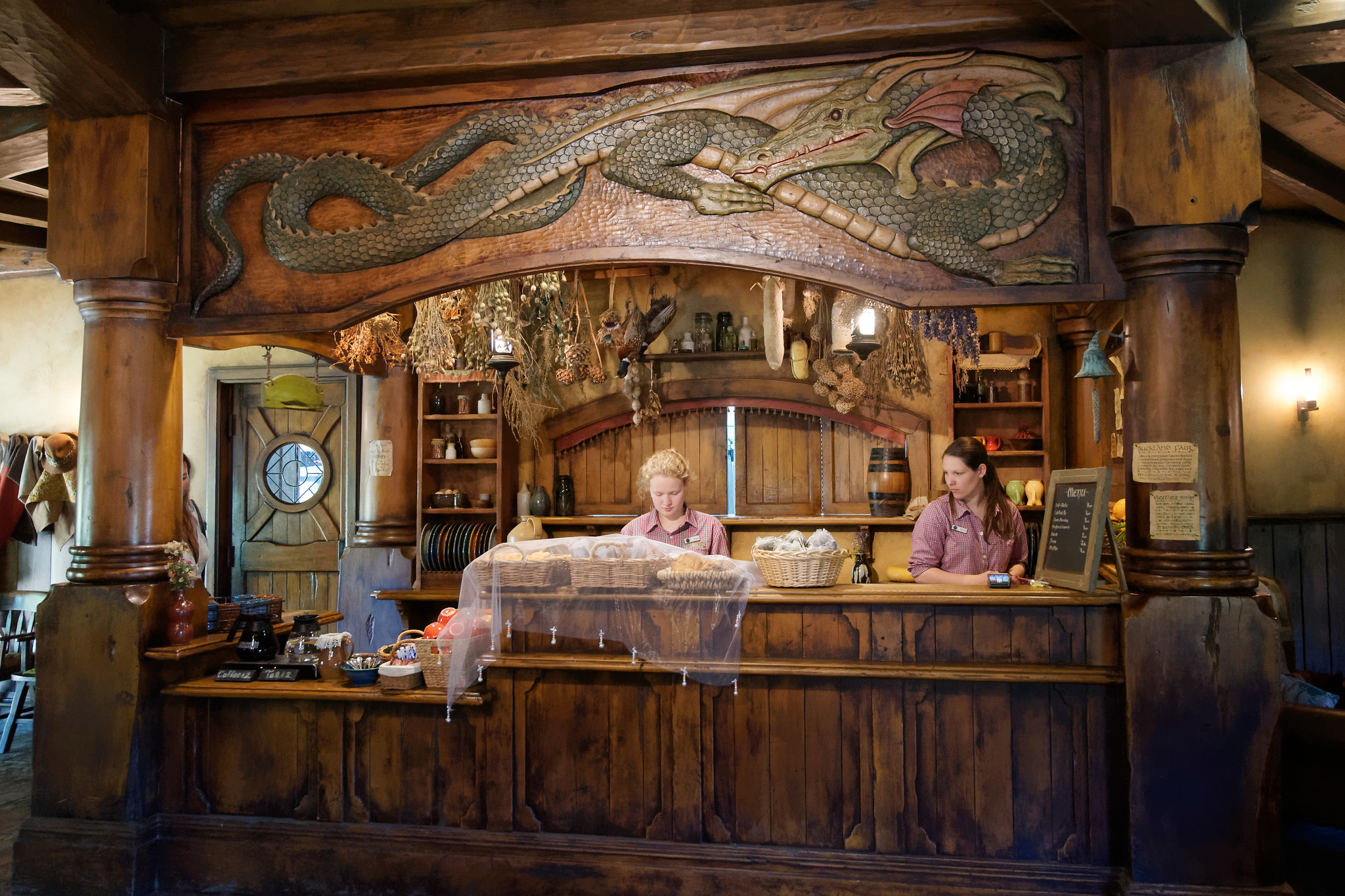 The Green Dragon Inn - Hobbiton