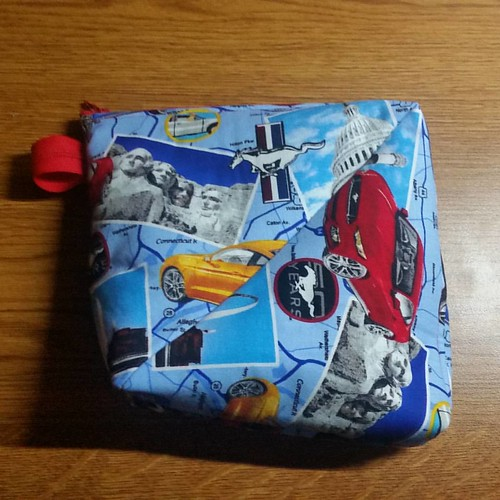 Super sized Bendy bag from 2 fat quarters. Love the Nt. Rushmore and mustang.