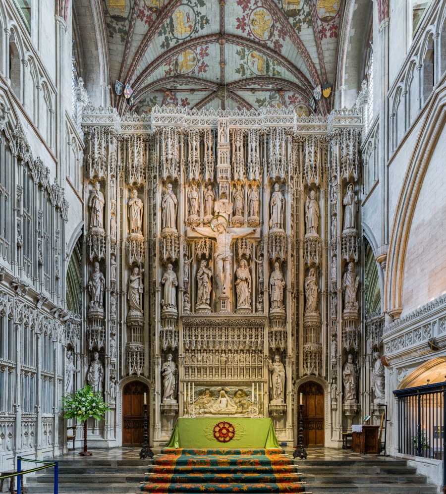 St Albans Cathedral - The Wallingford Screen of c. 1480—the statues are Victorian replacements (1884–89) of the originals, destroyed in the Dissolution of the Monasteries, when the screen itself was also damaged. Credit: David Iliff