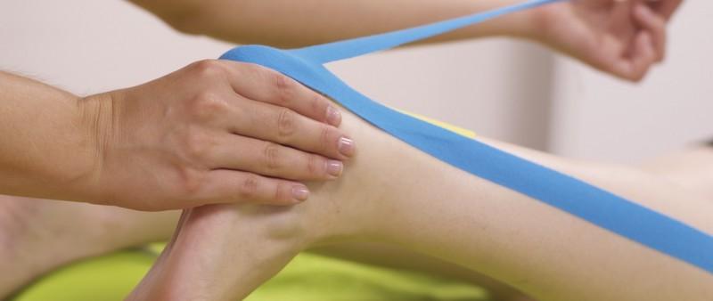 Jak zatejpovat tři nejčastější běžecká zranění