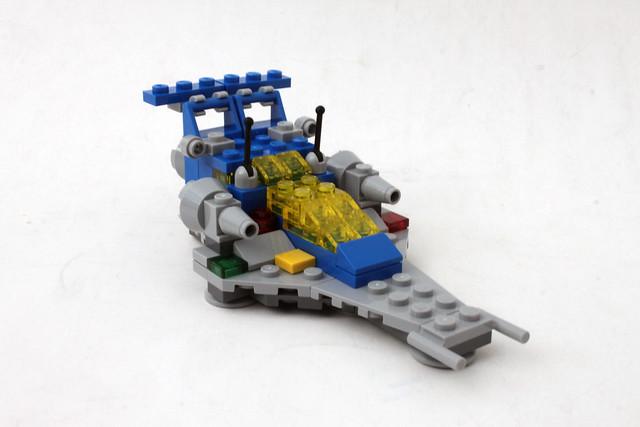 LEGO Space Micro-Scale Space Cruiser (11910)