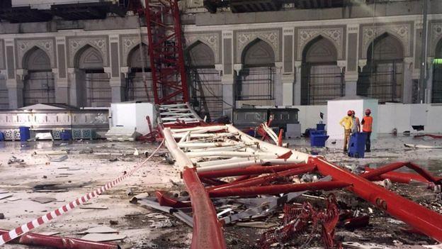 Day 110 Mecca Saudi Arabia Rain makes crane to fall