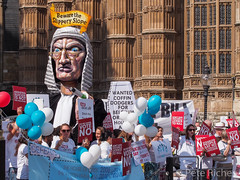 Dual Yes and No protest against Assisted Dying Bill - 16.01.2015 -110604.jpg