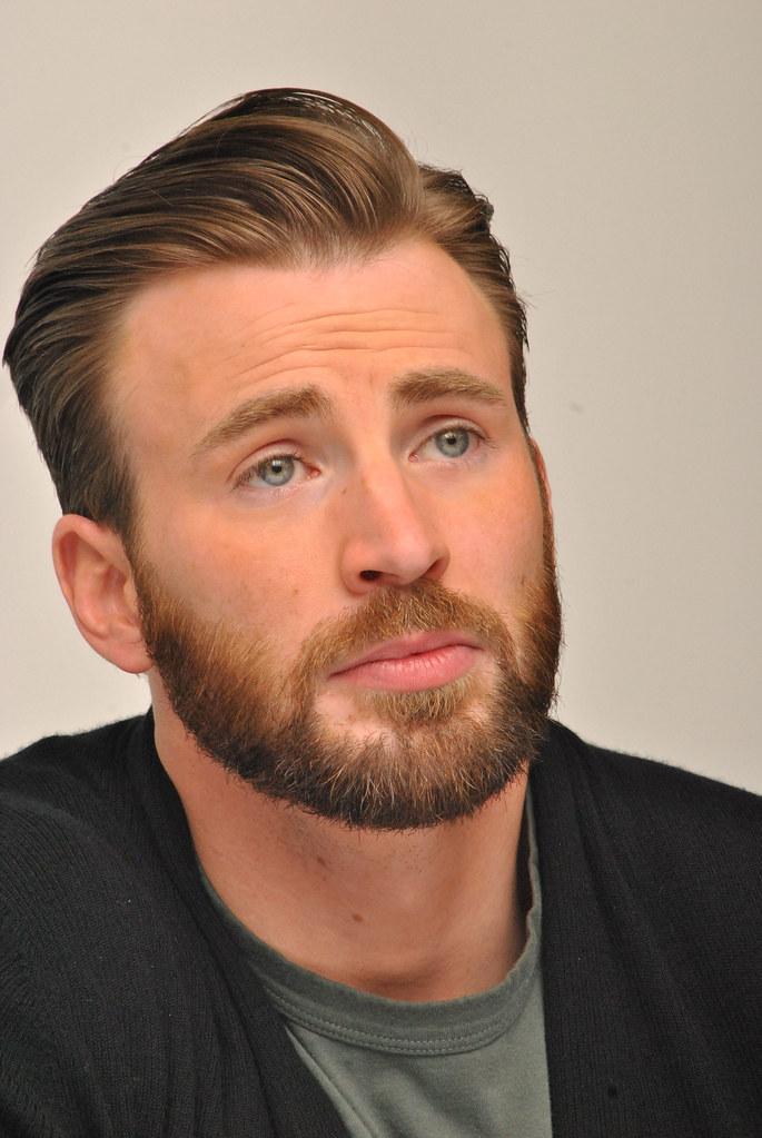 Крис Эванс — Пресс-конференция «Мстители: Эра Альтрона» 2015 – 46