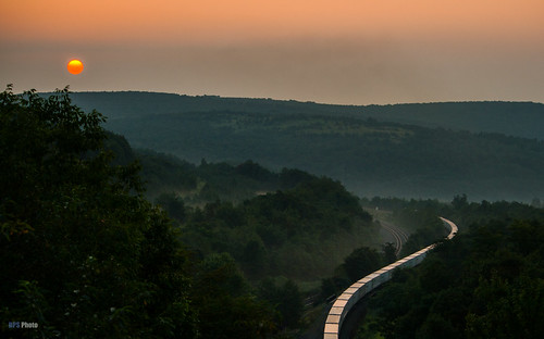 railroad mountains sunrise landscape unitedstates pennsylvania ns trains crown triple 262 norfolksouthern westslope roadrailer gallitzin nspittsburghline ns262 nswestslope