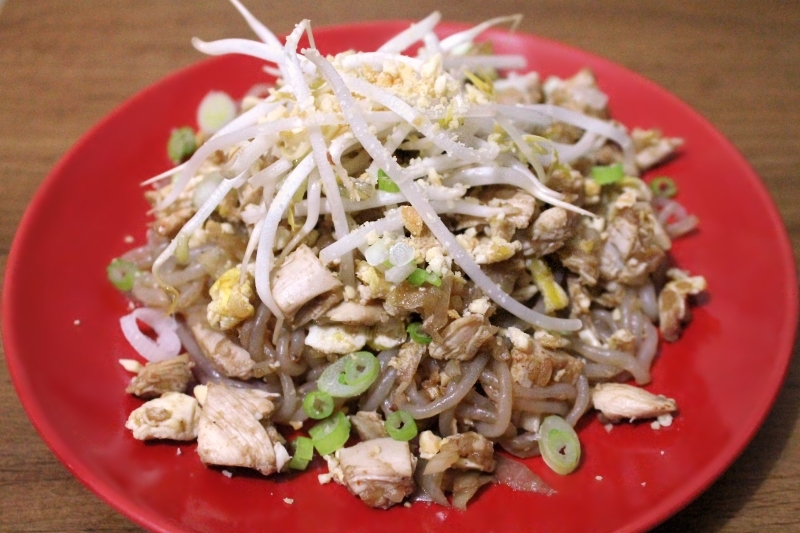 5:2 Shirataki Pad Thai (203 calories), with egg