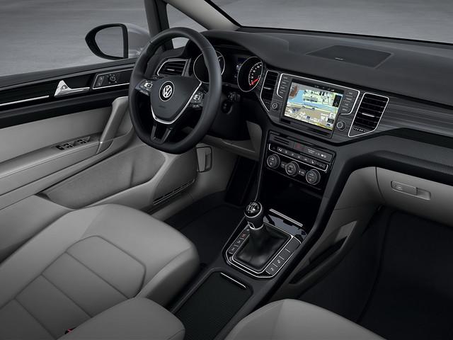 Салон Volkswagen Golf Sportsvan Concept. 2013 год