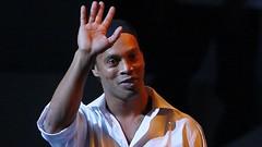 Ronaldinho Barcelona kulüp elçisi olarak atandı