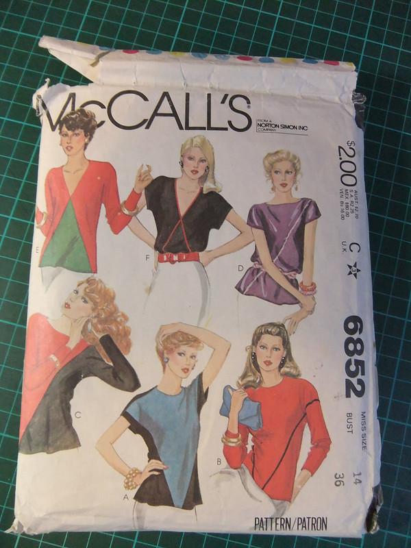 McCalls 6852