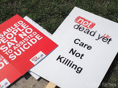 Dual Yes and No protest against Assisted Dying Bill - 16.01.2015 -9110077.jpg