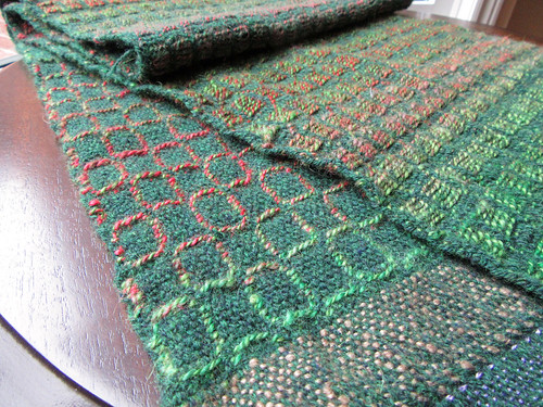 Finished handwoven wool table runner by irieknit in overshot design