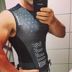 Excelente camisa para entrenar. #fitness #fitnesslife #fitnessstyle #fitnessworld #fitnessplanet #motivation #fitnessmotivation #BODYCOMBAT #BODYPUMP #tribuspain #LesMills #reebok #reebokone #soydelatribu @lesmillstribe @tribulesmills @reebokes
