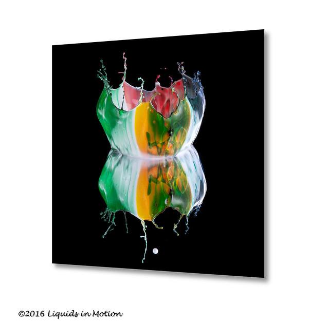 Four Color Crown on a Solid Surface #8895   ©2015 - LiquidsinMotion.us.com