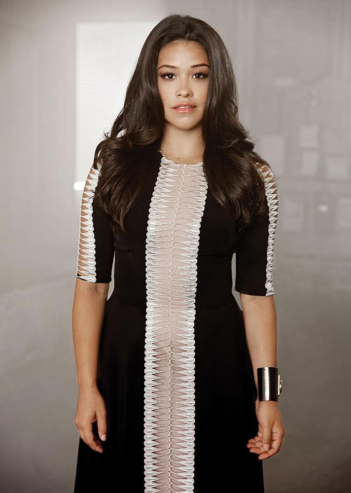 Джина Родригез — Фотосессия для «Emmy» 2015 – 5