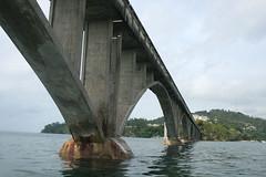 10 - Passing the bridge / Durchfahrt durch die Brücke