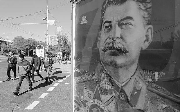 151020_UKR_Donetsk_Stalin_poster_BW