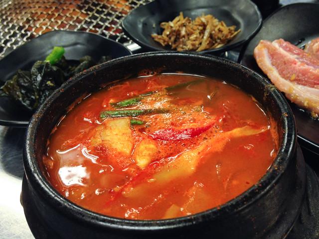 shinchon-korean-kimchi-stew