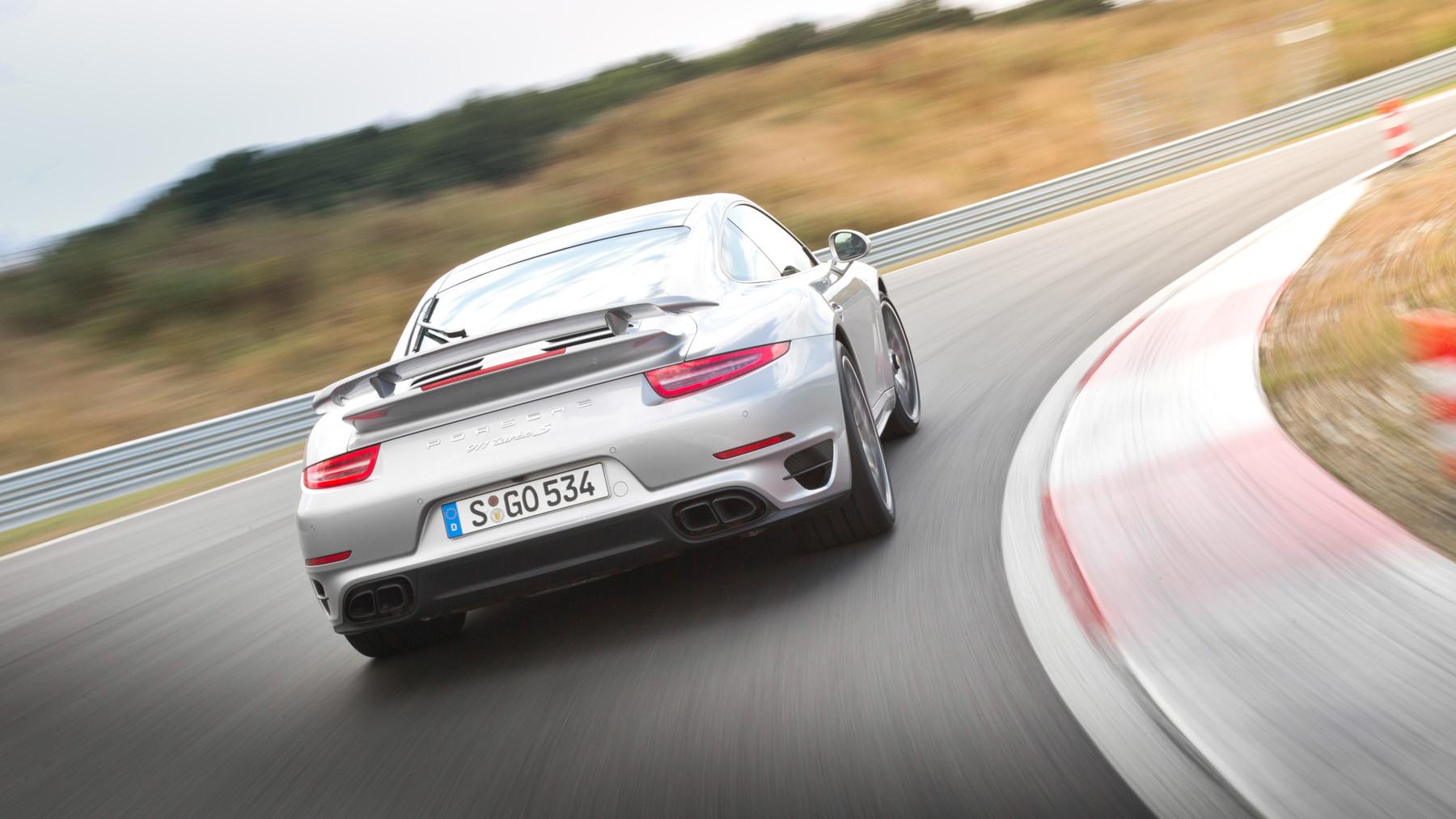 Porsche 911, вид сзади