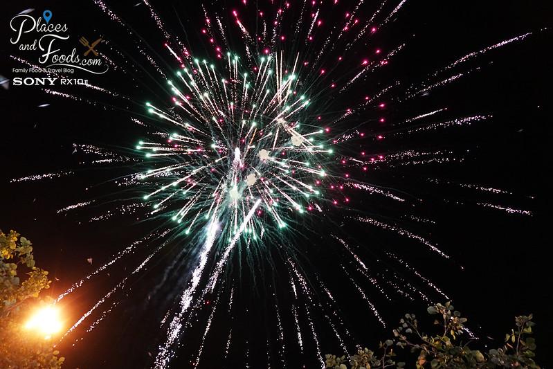chiang mai loy krathong celebration day 1 fireworks