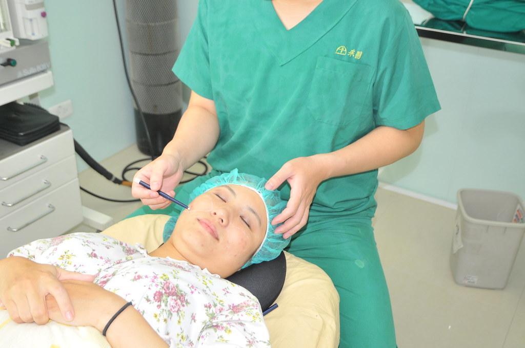 自己的臉自己救!推薦台北采醫漾麗診所自體脂肪豐頰 (5)