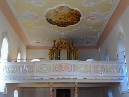 Die römisch-katholische Pfarrkirche St. Georg in Böhen im Unterallgäu