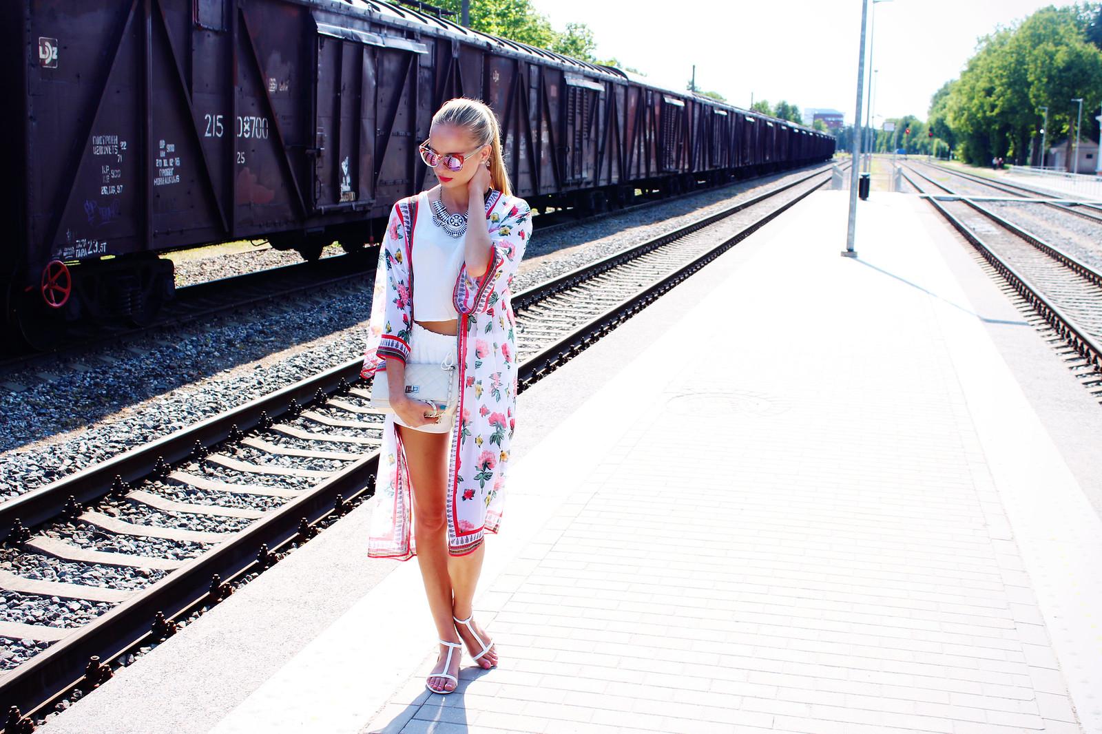 long-floral-print-kimono