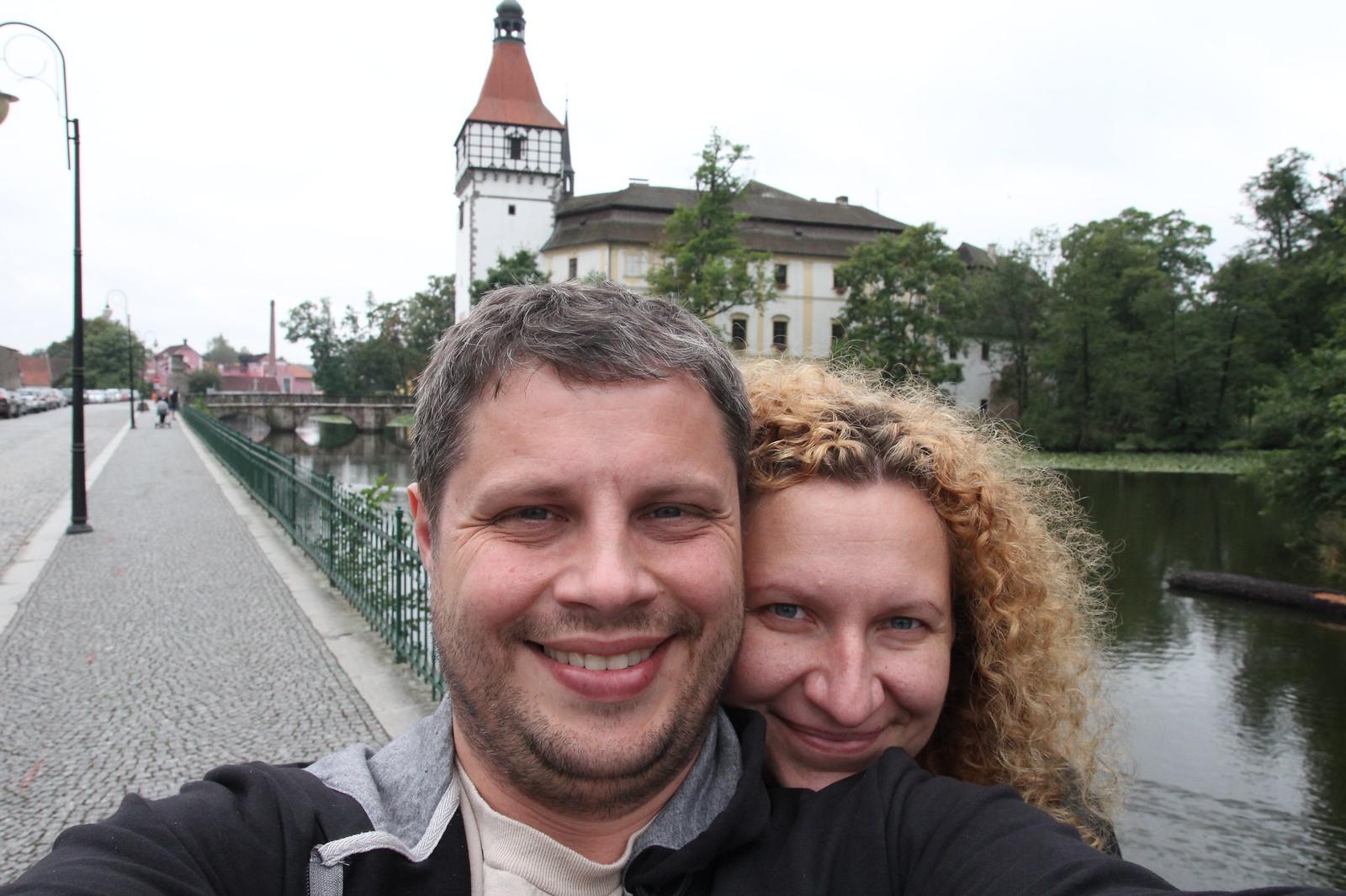 Čia Vis dar Čekijoje kokiame tai Blatna miestelyje.