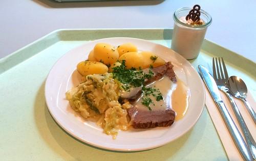 Prime boiled beef with horseradish sauce, cream savoy & potatoes / Tafelspitz vom Allgäuer Ochsen mit Meerettichsauce, Rahmwirsing & Salzkartoffeln