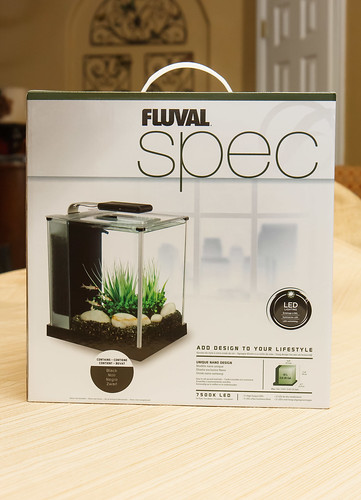 front of fluval spec 3 box