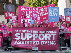 Dual Yes and No protest against Assisted Dying Bill - 16.01.2015 -110431.jpg