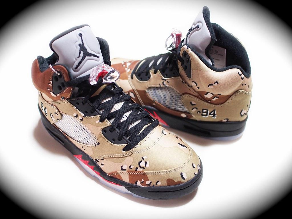 Supreme / Air Jordan 5