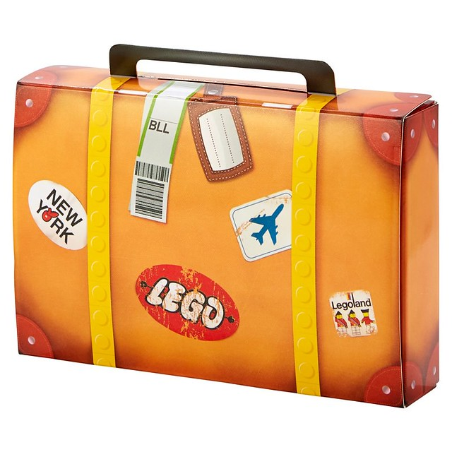 5004932 LEGO Travel Building Suitcase  1