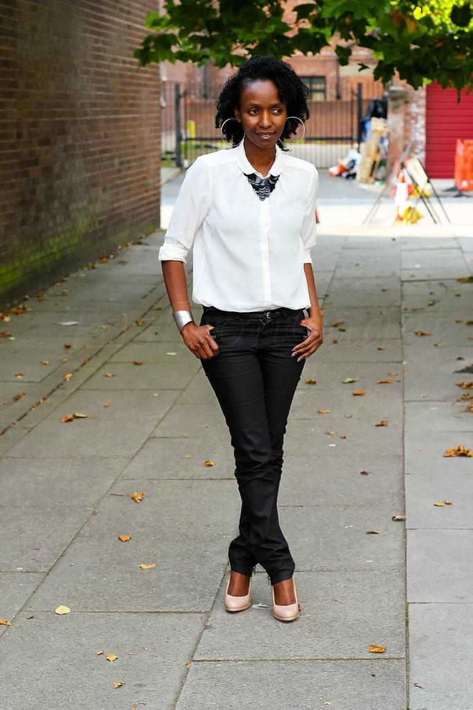 monochrome-black-and-white, Monochrome look, monochrome trend, black and white, nude heels, statement necklace, black statement necklace, monochrome black and white, cream top, off white top, long sleeved top