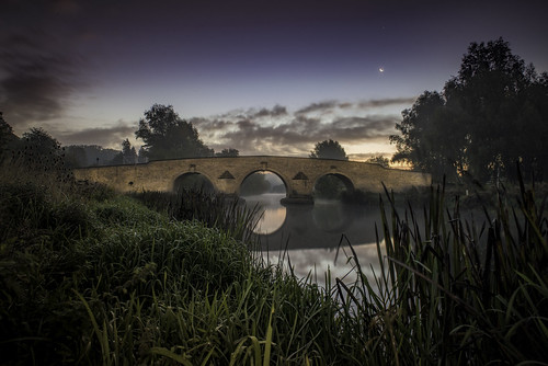 longexposure bridge moon misty ferry river dawn tripod lucky jupiter milton nene lightroom ferrymeadows 2470mm singleexposure nikond800 f13club verydamp