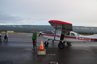 011 Arjan bij vliegtuigje
