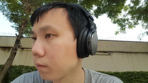 ลองสวมหูฟัง Panasonic RP-HD10E-K