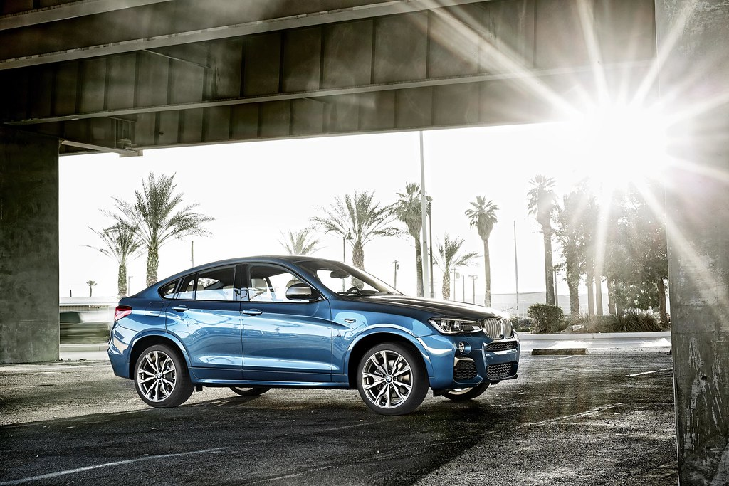 This is the BMW X4 M40i