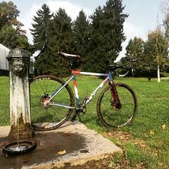 Yesterday was a rad lunch break #cxss #størmcycles #deda #crossishere #lifedeathcyclocross #torino #autumn #neverstoptraining #nonlamuovo