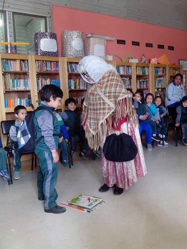 Semana del Párvulo 2015: Visita de la abuelita cuenta cuentos