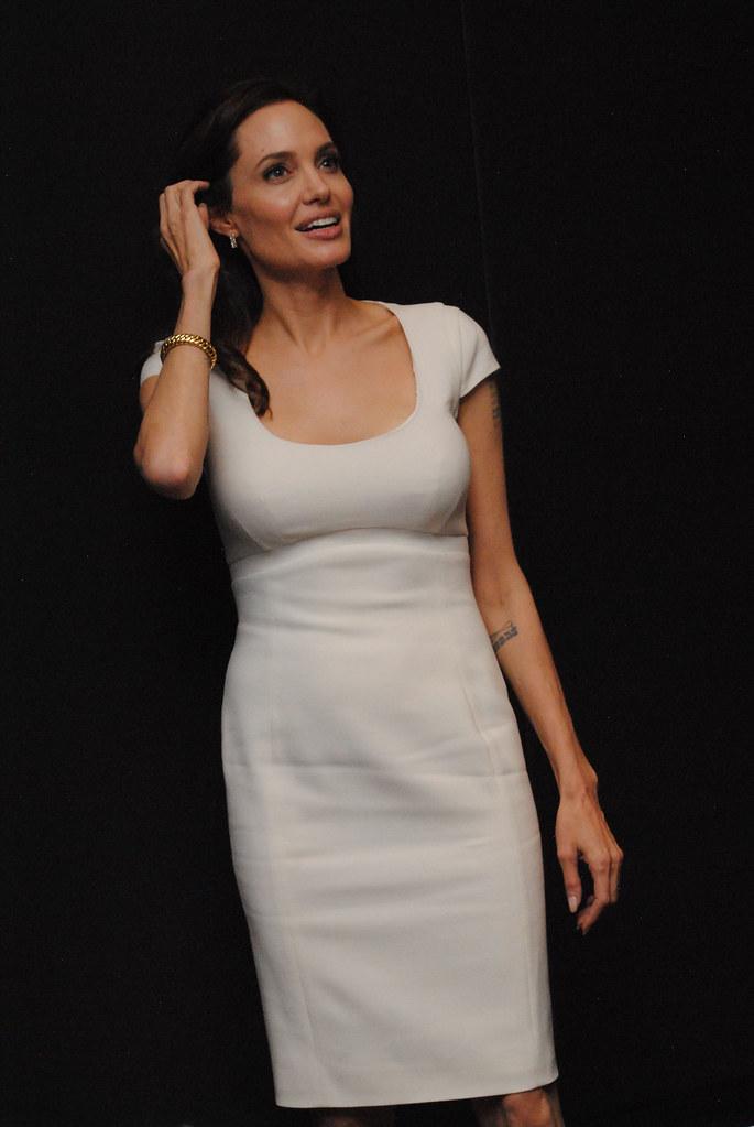 Анджелина Джоли — Пресс-конференция «Несломленный» 2014 – 79