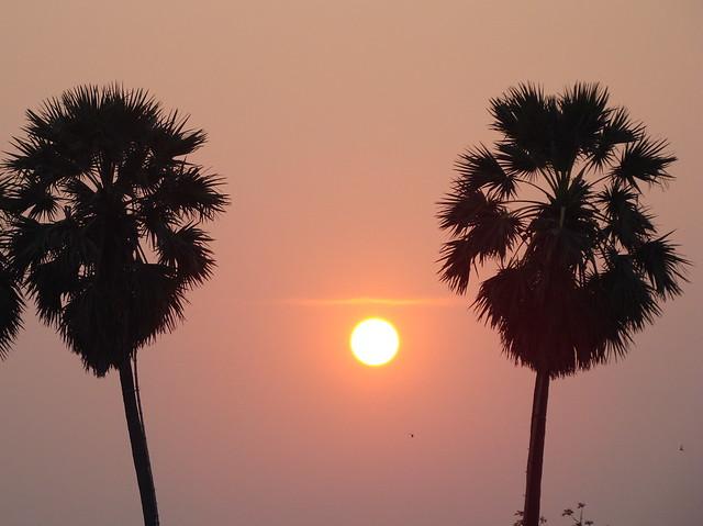 Sunset (Thailand), Sony DSC-H9